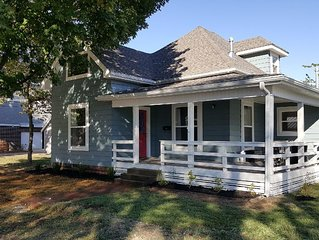 Charming bungalow located ideally to the Bentonville Square & bike trails.