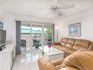 OCEANFRONT CONDO! FOOTSTEPS TO THE BEACH!