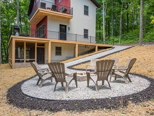A modern approach to Hocking Hills Lodging!