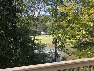 Keowee Key Townhome #2 With a View and Amenities on Golf Course