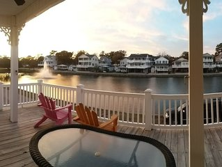 5 BR Lakefront Beach House * Ocean Lakes: FREE Golf Cart, Bikes & Waterpark!