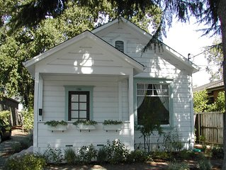 Charming Wine Country Cottage Steps from Downtown - Permit #2012-27