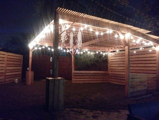 Bachelorette/ Bachelor / Weddings / ACL 4500 sqft; STR & LTR options,  patio!