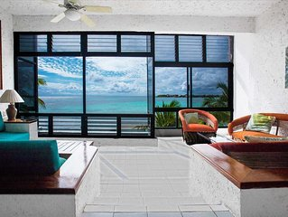Amazing View Oceanfront with 2 pools, Daily Housekeeping