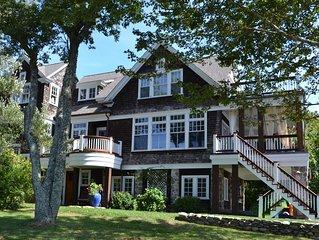Waterfront Great Gatsby Beach Cottage, Luxurious, Elegant, Quiet, Beachy, Modern