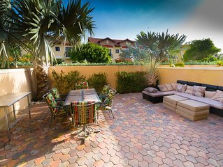 Beautiful Townhouse in a Luxury Gated Community w/ a welcome WINE CHEESE FRUIT
