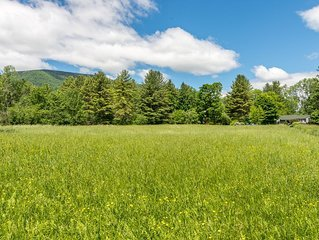 Cool Barn reno with views. 5 mins to hike, restaurants, fishing...