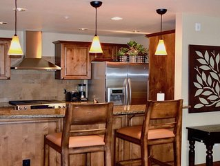Beautiful 3 Bed/2.5 Bath Condo in downtown McCall!
