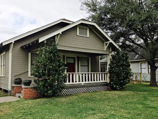 3/2 Historic Heights Bungalow w/ Playfort. Near Med Center, Reliant, Downtown.