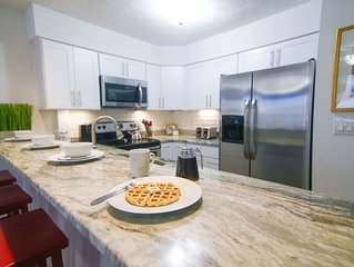 Lovely Home! Just 3 Blocks from Beach & Convention Center