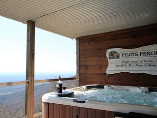Pilot's Perch ~ Luxurious Blue Ridge Cabin with Breathtaking View from Hot Tub