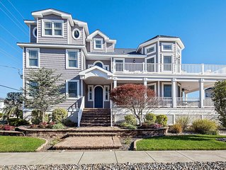 Beautiful 6 bedroom/ 5.5 bath home with pool less than 2 blocks from beach