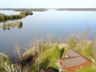 Northern MN Lake Home on Crystal Clear Deer Lake, great fishing & swimming