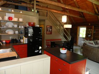 SPECIAL!! Private 2 Bedroom Cabin-close to East Burke Village and Kingdom Trails