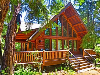 Beautiful Log Home Nestled In The Woods Adjacent To Ingalls Creek.
