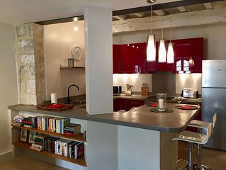Stylish Uzes Centre Loft Style Apartment with a Large Terrace