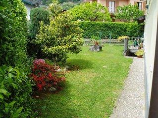 Appartamento in villetta bifamiliare con ampio giardino vicino al lago