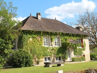 Holiday Home with Large Private Pool And Hill Views In The Heart Of The Dordogne