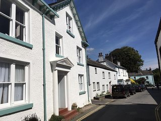 Unique apartment in Cartmel centre. Unrivalled location.Garden.Fab views.Sleeps4