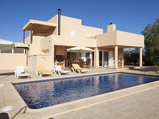 Ca na Catalina Villa situada en Zona Tranquila, y cerca de la Playa den Bossa.
