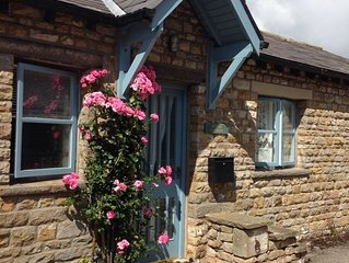 Stone-Built, Cosy Cottage with New Bathroom, Log Burning Stove, Magnificent View
