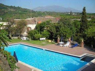 Santa Tecla Di Acireale: Casa con giardino, piscina privata, parcheggio privato.