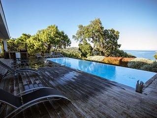 Magnifique villa avec piscine vue mer et montagnes à 3 mn à pied de la plage!