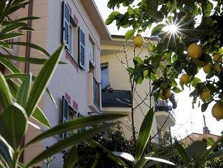 Le Petit Bijou:Charme & relax a due passi dal mare. Balcone,Wifi gratuito e A.C.