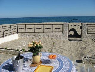 Villa sur la plage, face à la mer  9 couch