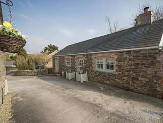 DAIRY COTTAGE - Near Padstow, great restaurants, pet friendly, beaches, meadow