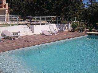 Grande maison familiale avec piscine proche plages et port de Bonifacio 6-12 p