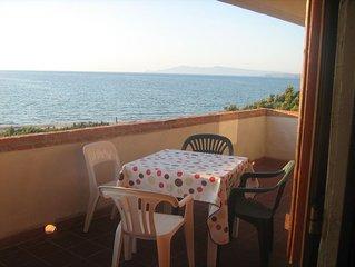 Il Suono del Mare. Casa sulla spiaggia,immersa nel verde, Sardegna.