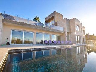 Villa lujosa con piscina climatizada