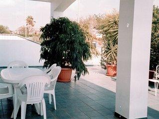 Gallipoli-Mancaversa: Villa con giardino per 6-8 persone + posti auto