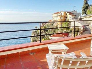 Casa vista mare con ampio terrazzo