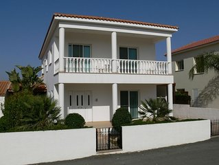 Villa With 4 Bedrooms, Private Pool And Sea Views . Unlimited WiFi.