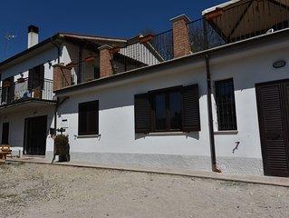 Confortevole appartamento a Terni, vicino le cascate delle Marmore, Umbria