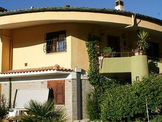 MANZIANA (BRACCIANO)- 6 pax family apartment, GARDEN JACUZZI, air conditioning
