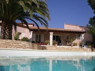 Maison de caractère en Provence Gard très agréable à vivre, 200 m2,climatisée,bi