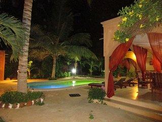 Charmante villa privée à 400 m de la plage avec piscine jardin  pour 6 personnes