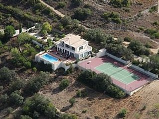 Luxury Villa with Private Tennis Court & Heated Pool in Stunning Location!