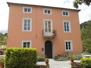 Villa Rosa - luxury villa with private pool in quiet Lucchese hills, sleeps 10
