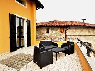 La casa di Olga, nel centro  di Padenghe sul Garda, con meraviglioso terrazzo