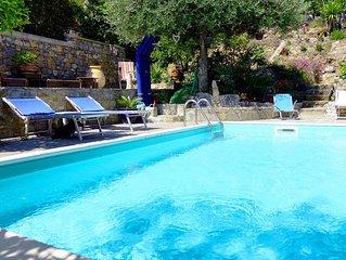 Appartamento romantico in villa con piscina