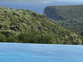Villa Elia  Luxe villa met prive infinity zwembad, terrassen, dal- en zeezicht