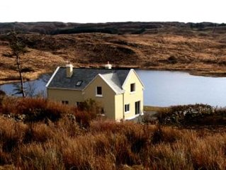 Beautiful lake side cottage in the heart of Connemara