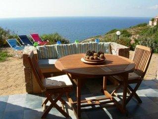 Costa Paradiso, a soli 300 metri dal mare, villetta vacanze con giardino, access