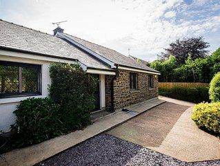 4 Bedroom Luxury Property with secluded hot tub & games room, sleeps 9.