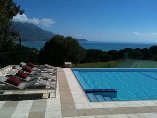 Special villa with beautiful views, pool and tennis court