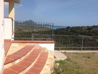 Costa Rei Monte Nai villetta con giardino panoramicissima vista mare